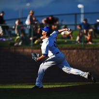 Canaries pitcher Shawn Blackwell (16) throws a pitch during a game against the St. Paul Saints Wednesday, May 25, 2016, at Sioux Falls Stadium in Sioux Falls.