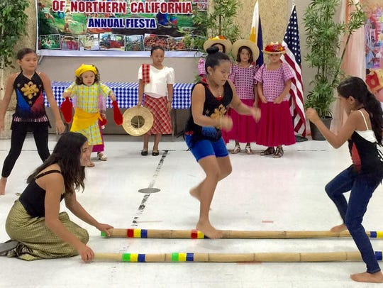 The Bayanihan Association hosts a Philippine cultural