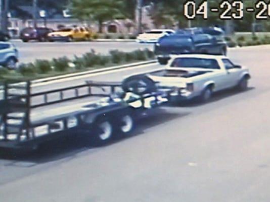 635663226899012041-stolen-trailer