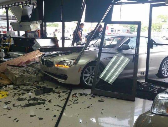 Car slams into Fort Pierce business