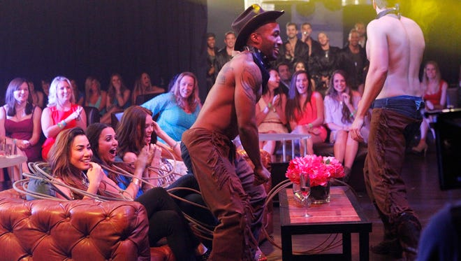 Fourteen men join Andi at a hip Hollywood nightclub, where they have to strip for charity. Marquel dons cowboy garb.