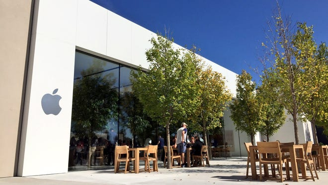 The Apple Store at The Fashion Mall at Keystone opened after an expansion and renovation in September 2016.