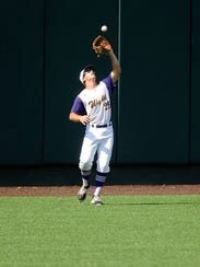 Wylie left fielder Cameron Hanna (29) pulls in a fly