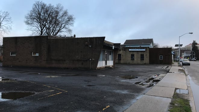 Anthony Pisa and Danzach Realty Inc. have proposed to build a three-story, 27-unit apartment building at 223 Broad St. in Bloomfield.
