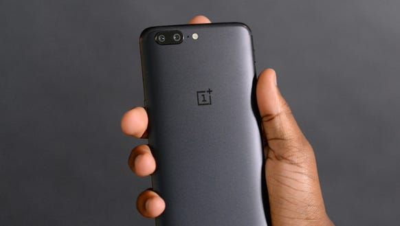 The rear cameras on the OnePlus 5