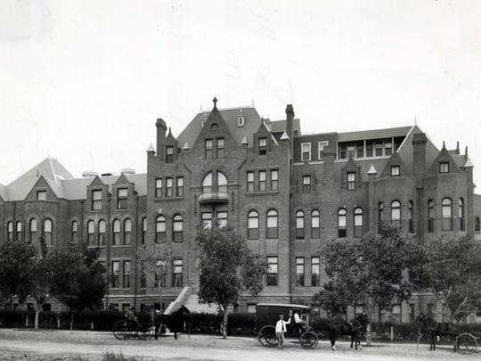 Hotel Dieu hospital served El Paso's growing population.