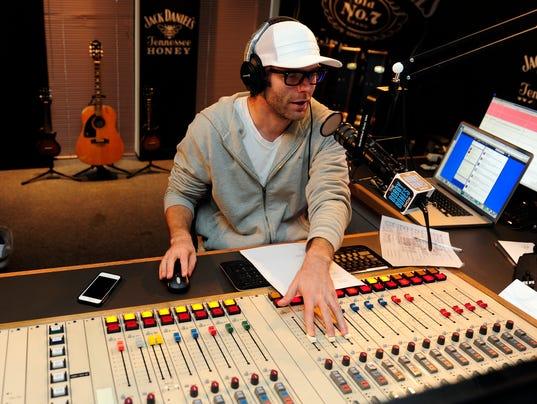 bobby bones pops modern sound to top of country radio