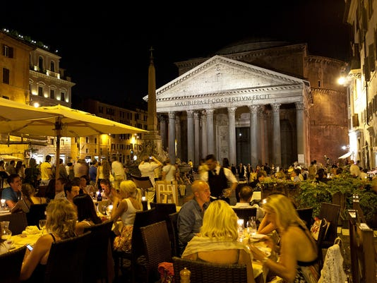 635775761393780574-italy-rome-pantheon-cafe-061815-az