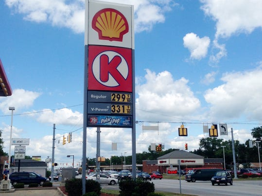 Some Indy gas prices now below $3