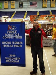 Arrow Guetschow was awarded the Wisconsin Regional Woody Flowers Award.
