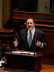 Kentucky's Gov. Matt Bevin delivers a speech to a joint session of the House and the Senate.  Jan. 26, 2016