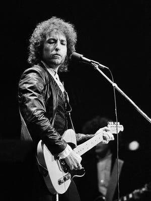 American Singer Bob Dylan during his tour through West Germany at the Dortmunder Westfalenhalle, June 27, 1978. (AP Photo/Proepper)