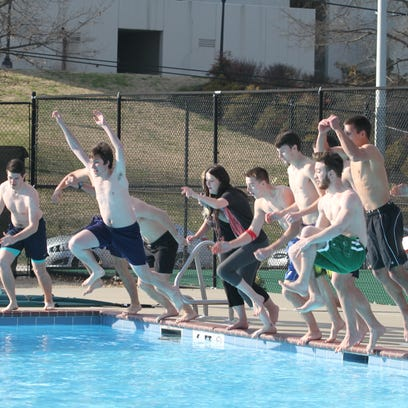 APSU's 7th Annual Polar Plunge took place Thursday afternoon. the event has turned into a food drive that benefits the SOS Food Pantry on campus.