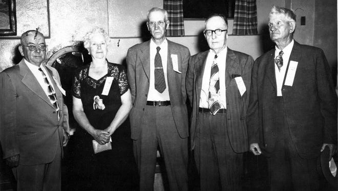 04/16/1952 Five early-day settlers who regularly attend the annual deming Old-Timers' Reunion are, left to right: Tom Foy, Sr., Mrs. robert Bell, Charlie McDemitt, Robert Bell and Wayne Whitehill.