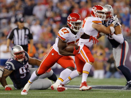 Chiefs rookie Kareen Hunt helped Kansas City shred