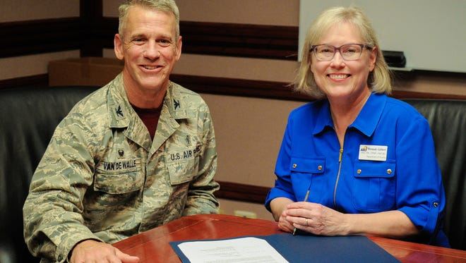 Col. Steve Van De Walle, commander of the 17th Medical Group, and Dr. Wrennah Gabbert, chair of the ASU Department of Nursing.