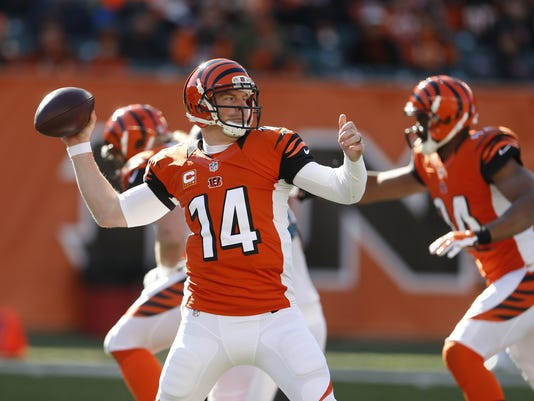 635506181847810247-Andy-Dalton-Bengals-throwing-11.03.2014.