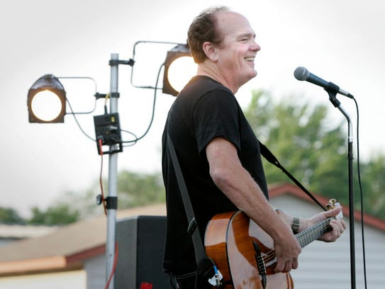 Pat McCurdy performs at Shank Hall Saturday.