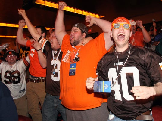 2014-05-09-browns-fans-draft
