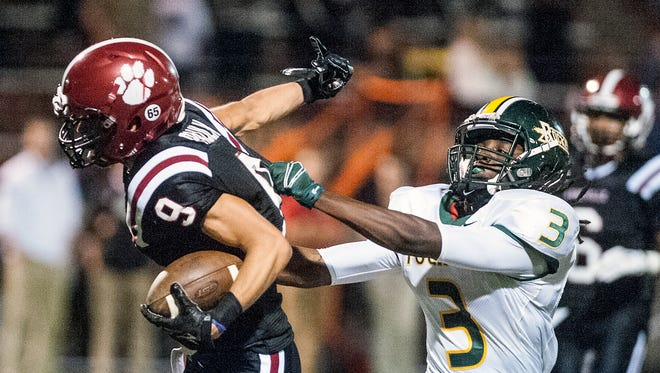 Asheville High senior Alexander Paulk (9) has committed to play college football for Davidson.