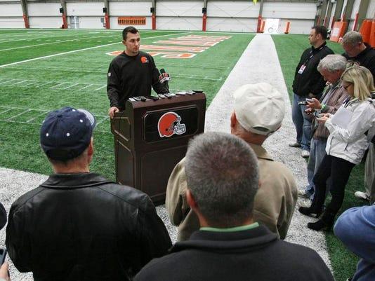 Browns Rookie Camp Manziel Football