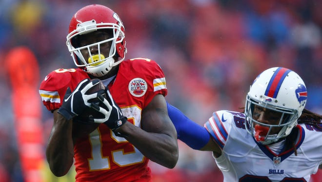 Jeremy Maclin #19 of the Kansas City Chiefs catches a touchdown pass over Ronald Darby #28 of the Buffalo Bills at Arrowhead Stadium during the second quarter of the game on November 29, 2015 in Kansas City, Missouri.