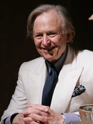 Tom Wolfe, author of 'The Right Stuff' and 'The Bonfire of the Vanities' has died at 88.