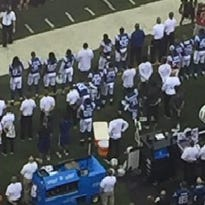 Antonio Cromartie becomes first Colt to take a knee during national anthem