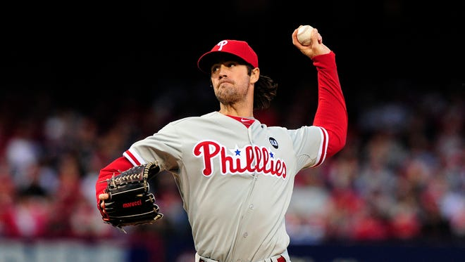 Phillies starting pitcher Cole Hamels throws during the first inning at Busch Stadium.