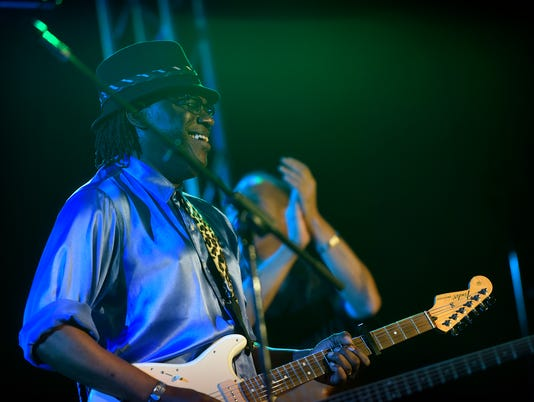 635888043044985569-ROOTS-AND-BLUES.JPG