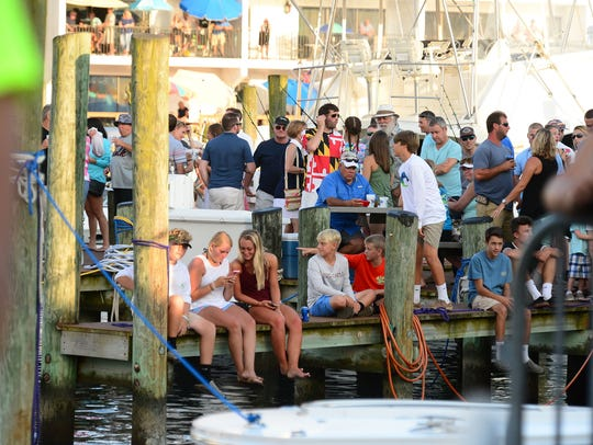 Crowds pack the docks as 287 boats set sail today to