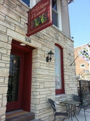 Wide River Winery in LeClaire has one bedroom with