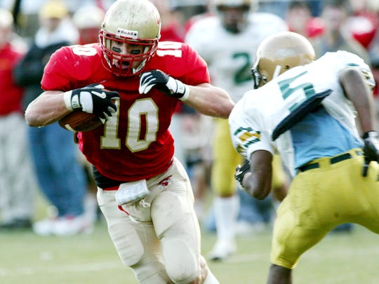 Brian Cushing runs with the ball for Bergen Catholic during a 2004 game.