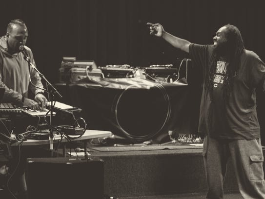 DiViNCi and Swamburger of Orlando rap group Solillaquists