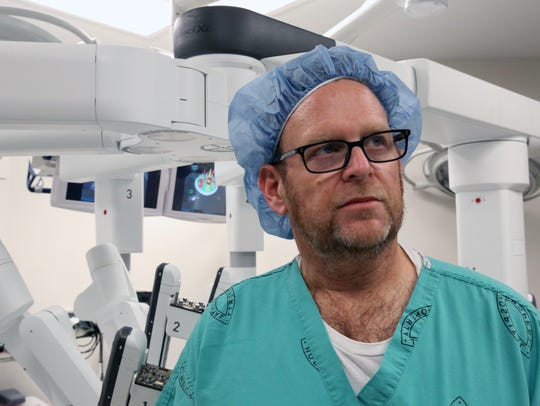 Dr. Darren Rohan, a thoracic surgeon demonstrates the