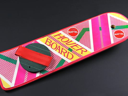 Back To The Future 2 - Marty McFly Hoverboard (1)