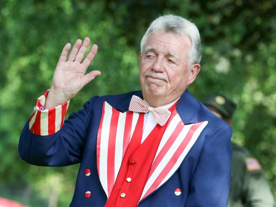 Mayor Frank Druetzler starts off the parade with a