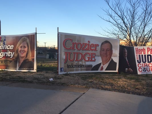635923736441346300-candidate-signs.jpg