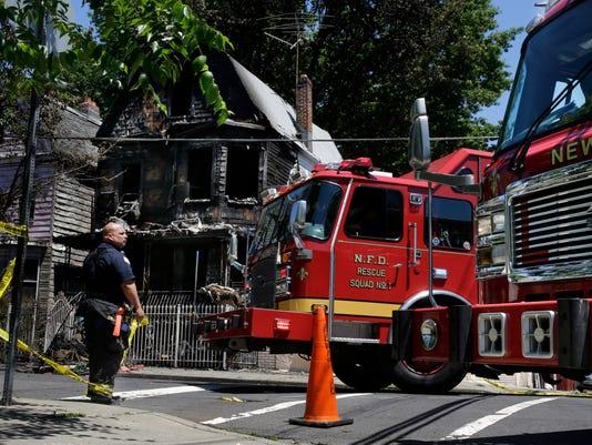 Deadly New Jersey Fire-G7C7M11EO.1