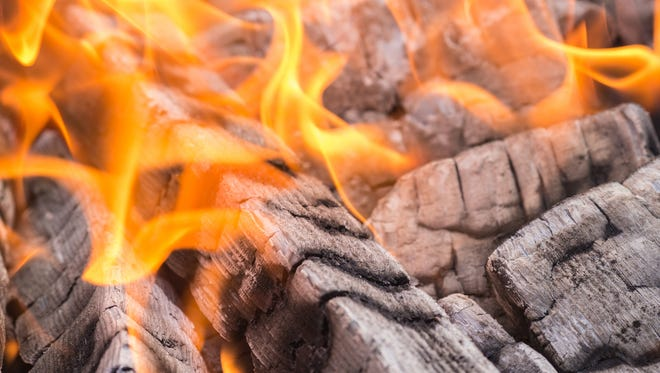 Maricopa County plans to offer free modifications to wood-burning fireplace in an effort to curb air pollution.