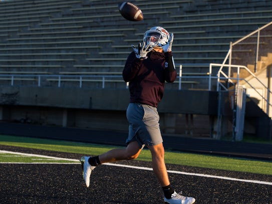 Refugio's Jake Tinsman during practice on Monday, Nov.