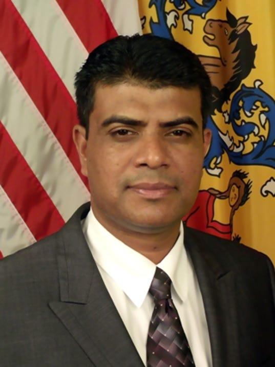 Akhtaruzzaman runs for council