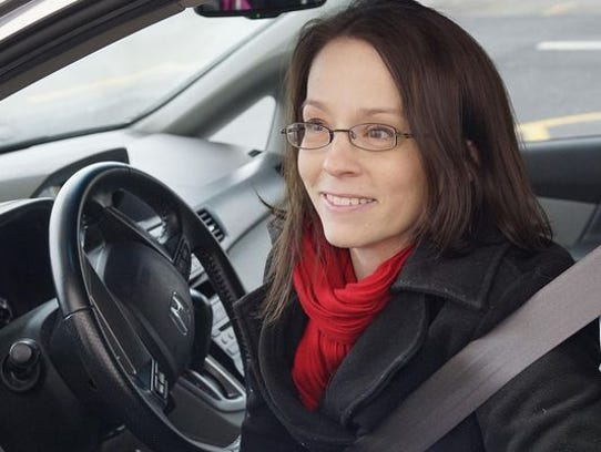 Jenni Heaton of Canton tries Meijer's curbside service