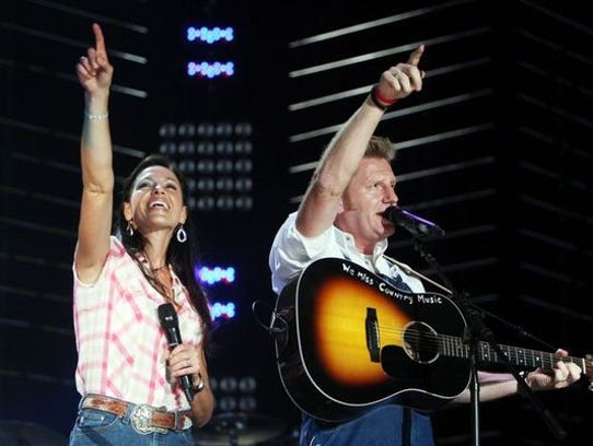 A memorial will be held for Joey Feek in Indiana.