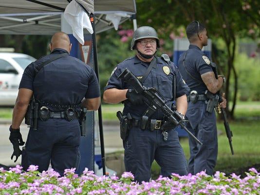 AP POLICE SHOT-BATON ROUGE A USA LA