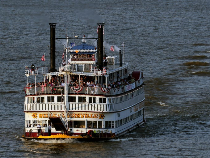 The Belle of Louisville heads back down river in the