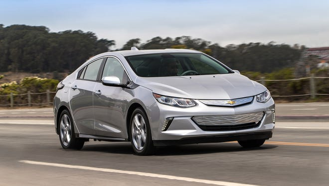 General Motors will introduce a fleet of autonomous 2017 Chevrolet Volts for use by its employees at the Warren Technical Center beginning in late 2016.