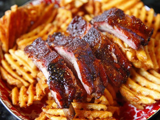 Jethro's rib taster showcases the barbecue at this Drake restaurant.