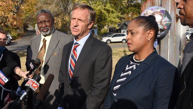 Gov Bill Haslam visits Woodmore Elementary School on Wednesday, Nov. 23, 2016. He met with teachers and staff two days after a bus crash killed five students.