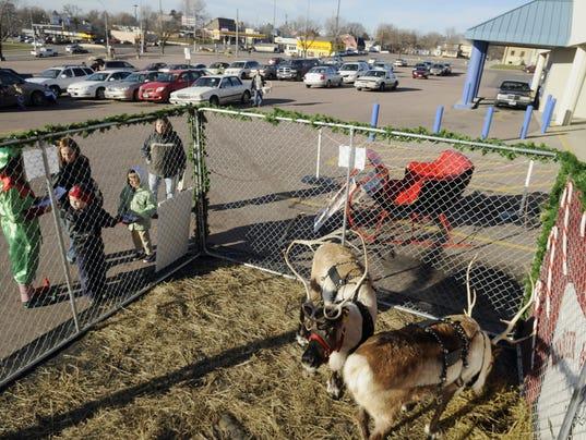 black friday lewis drug reindeer